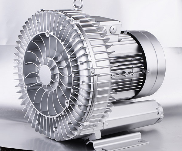 Single phase single stage side channel blower